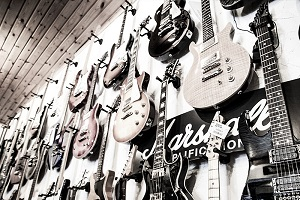 Gitarren, Bässe und Ukulelen